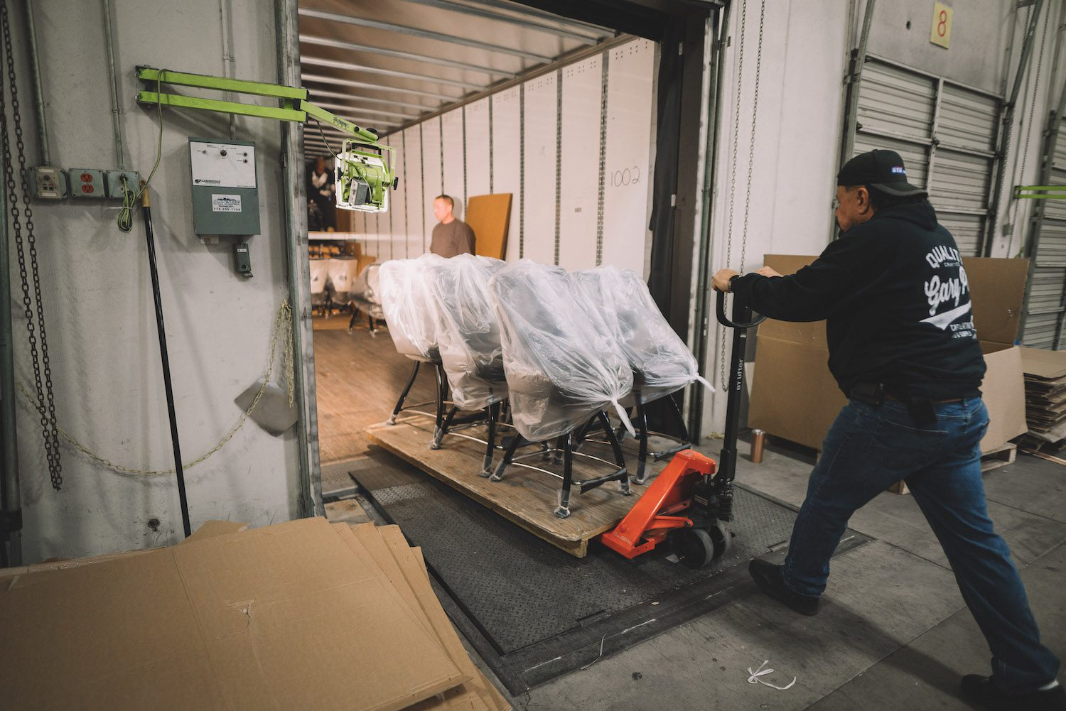 benefits of working with a freight broker