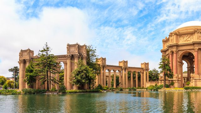 Palace of Fine Arts Building in San Francisco, California, san francisco performance tours