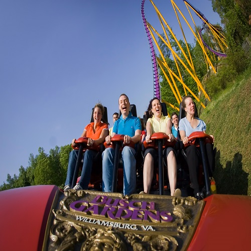 students on a theme ride